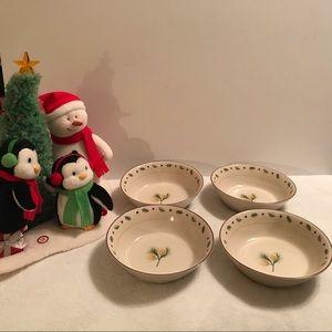 Merry Brite Christmas Bowls - Set of 4